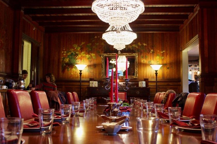 Spillian table majesty
